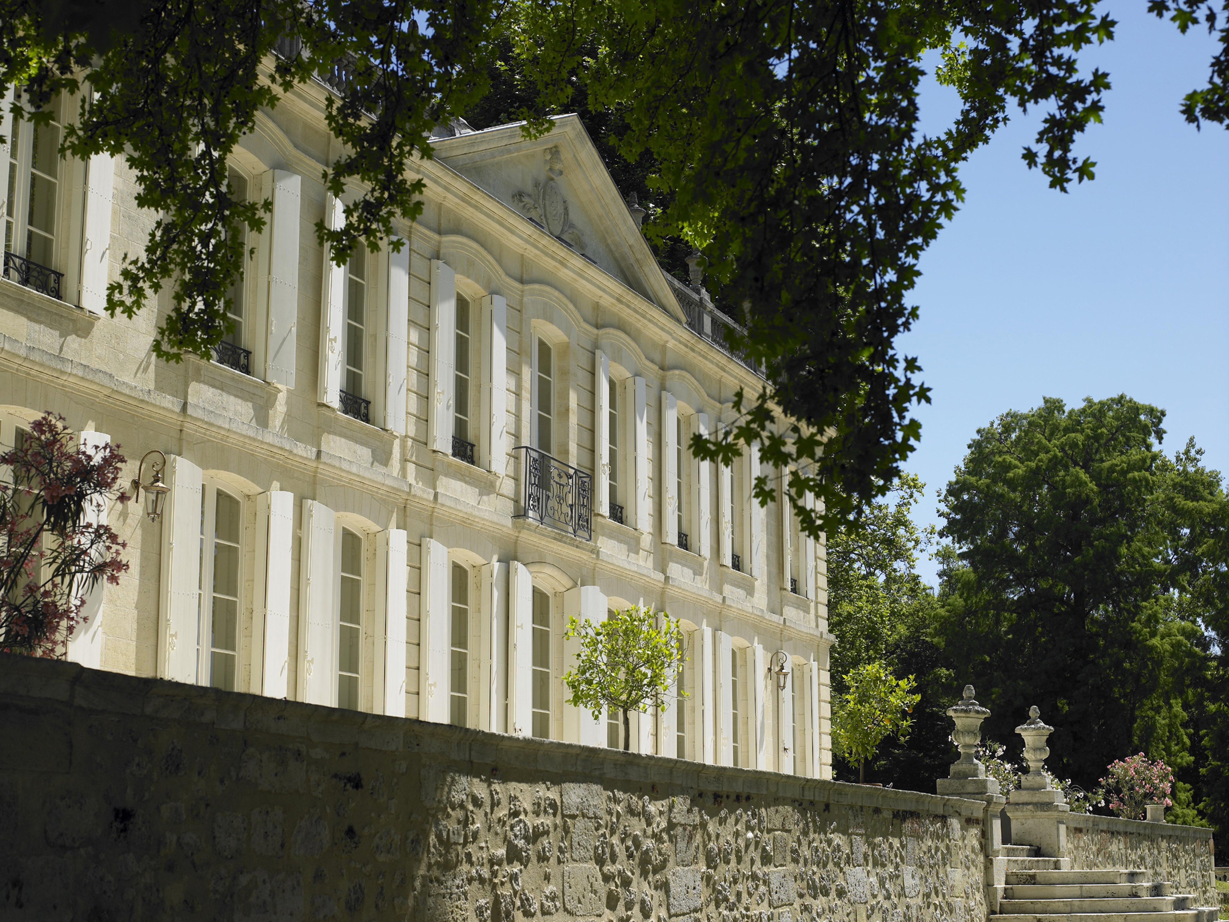 The beautiful facade of Château de la Dauphine @ladauphine